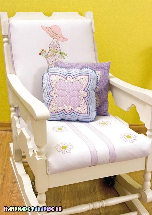 Подушка с аппликацией для будущей мамы