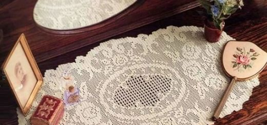Салфетка крючком в винтажном стиле